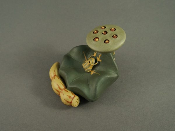 Purple Clay Tea Pet Frog with Lotus Seeds